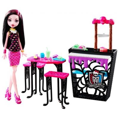 DNP33 Игровой набор Кафе с куклой Дракулаура Монстер Хай Mattel