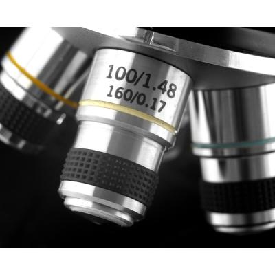 18273 Биологический микроскоп Levenhuk 320