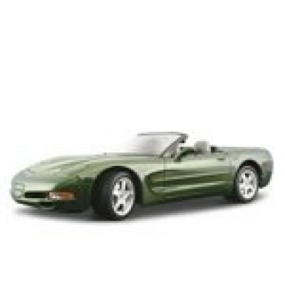 18-15018 Модель машины Chevrolet Corvette Convertible Bburago
