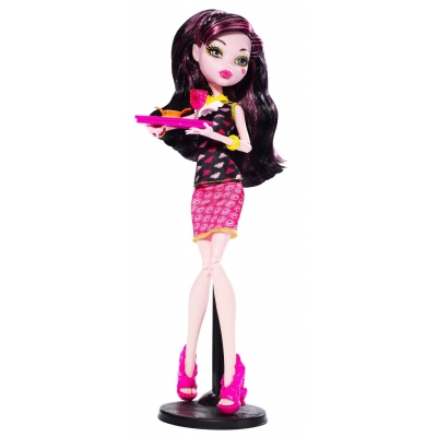 990BJM17 Кукла Дракулаура Крипатерия Monster High Mattel