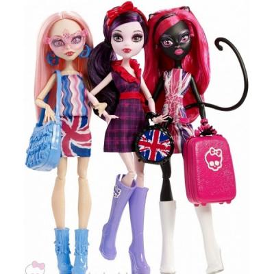 "CGF51 Набор из 3 кукол Элизабет, Кетти Нуар и Вайперин ""Монстры в Лондоне"" Monster High Mattel"