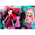 "*CGF51 Набор из 3 кукол Элизабет, Кетти Нуар и Вайперин ""Монстры в Лондоне"" Monster High Mattel"
